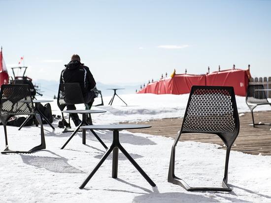 MYTO chair & MIURA table at Meran 2000 Bergbahnen AG