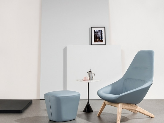 Famiglia by PearsonLloyd for Allermuir. Courtesy of The Senator Group.