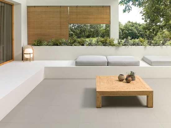 Minimalist appeal on the terrace