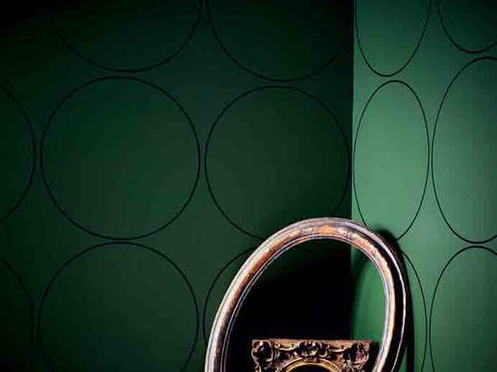 'Circle Cutter's Room' wallpaper by Rosemarie Trockel with 18th-century Italian oval moulding frame; Circa 1740 French Louis XV frame with round opening; 19th-century American Scotia profile frame ...