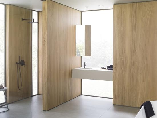 Wood and water, minimalist creativity