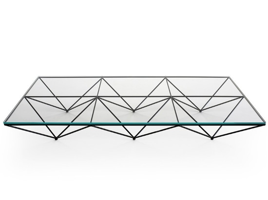 Alanda. A famous 1980's small table gets an homage edition to its creator