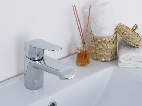 5 gadgets for your renovated bathroom | Create your dream bathroom
