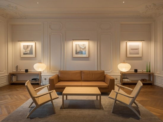 Foster + Partners unveils Apple Store in Parisian apartment on Champs-Élysées