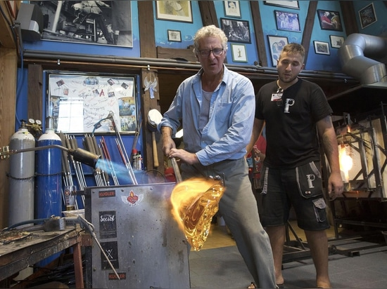 Glass Designer in action