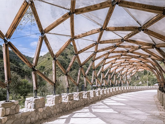 LUO reuses leftover materials of renovated chinese village to build a pergola for locals