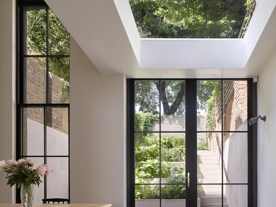Dominic McKenzie Architects adds tower-like extension to London home