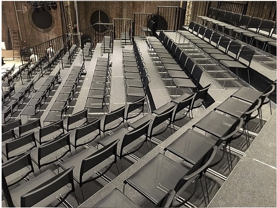 New players at Copenhagen's Østre Gasværk Theatre: Wilkhahn's Aline chairs don't just complement the overall look. The open-pore, airy fabric doesn't affect the acoustics in the former gasworks. Ph...