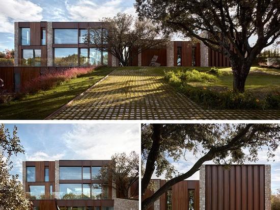 La Finca House by Ramón Esteve Estudio
