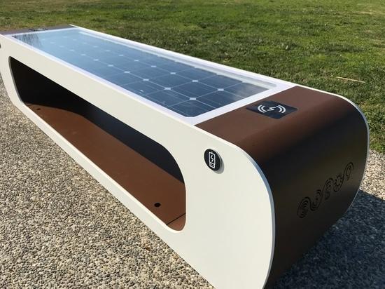 ELIOS smart bench