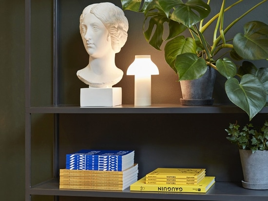 The portable lamp to feel at home anywhere