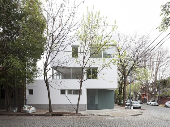 Chamfers and set-backs offer outdoor space at Buenos Aires apartments