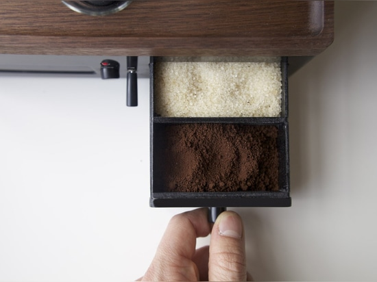 MAKE MONDAYS BEARABLE WITH A COFFEE-MAKING ALARM CLOCK