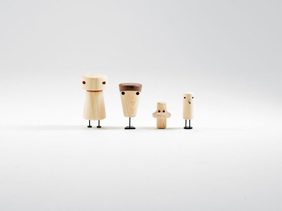 The Other Family: funny wooden figurines for people of all ages.