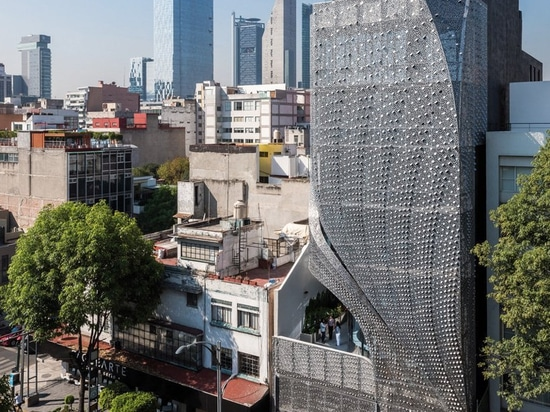 belzberg architects clads mexican office building in perforated carbon-steel façade