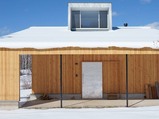 yuji tanabe builds second pettanco house with giant dormer in the japanese alps
