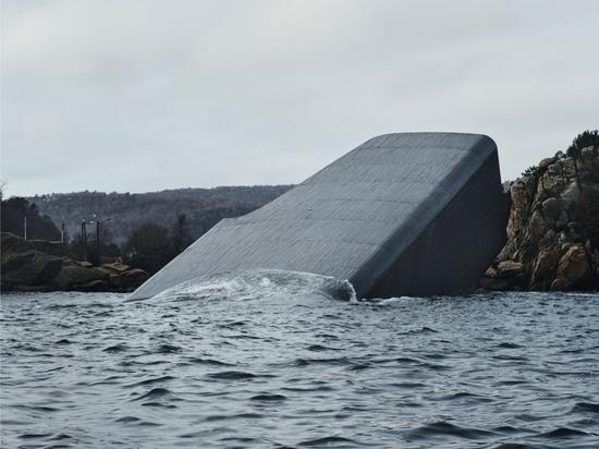 """Snøhetta completes """"Under"""", Europe's First Underwater Restaurant"""