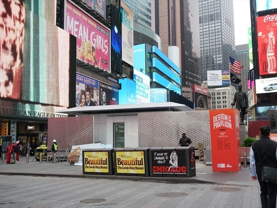 A LEGO-Like Home Powered Entirely by the Sun Pops Up in Times Square