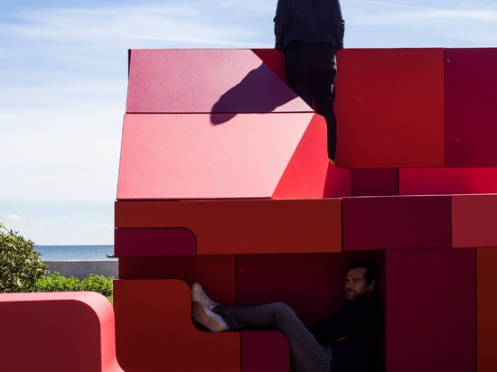 Bjarke Ingels and Simon Frommenwiler build jigsaw-puzzle house in Copenhagen