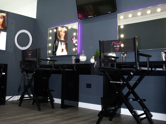 Makeup mirrors beauty salons