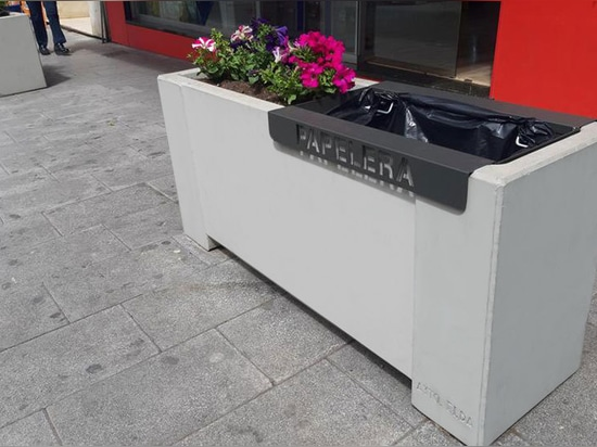Special bin designed for planters