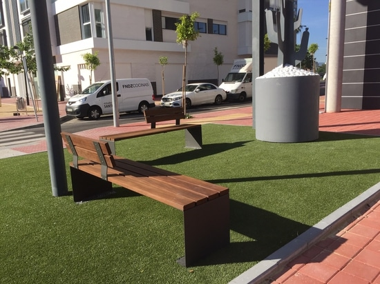 Valencia bench, designed by Cervic Environment, already excels in Murcia