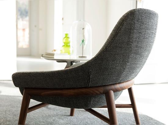Hanna armchair.