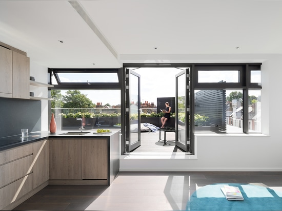 ONE Putney Residential Building / PHASE3