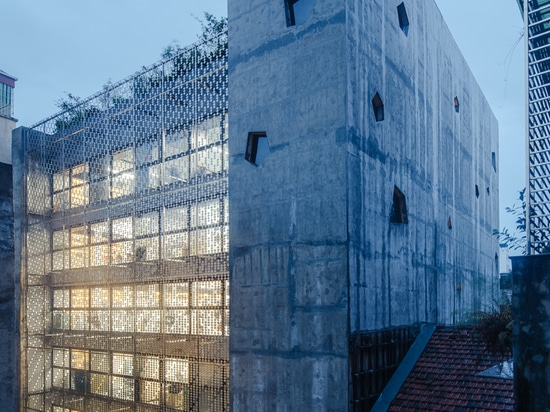 The Bridge Office Building / G8A Architecture & Urban Planning