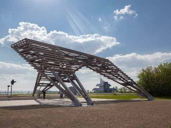 Vector-I Architects installs pair of viewpoints on Dutch dyke to highlight rising sea levels