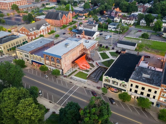 behin ha builds temporary shade installation in ohio using scrap mesh fabric