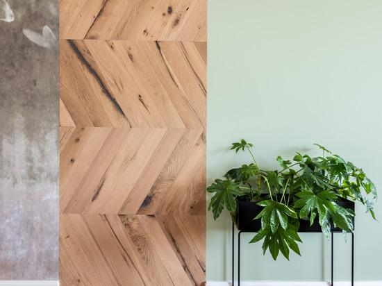 Dennebos Flooring reclaimed oak Chevron in R.01 color