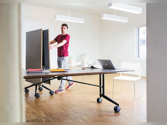 "Confair's ""little brothers"" – Timetable, Timetable Smart und Timetable Shift – for hot desking to temporary pop-up workspaces to conference rooms that can be configured to suit all sorts of purpose..."