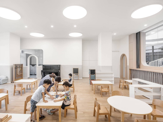 Montessori Kindergarten in Xiamen / L&M Design