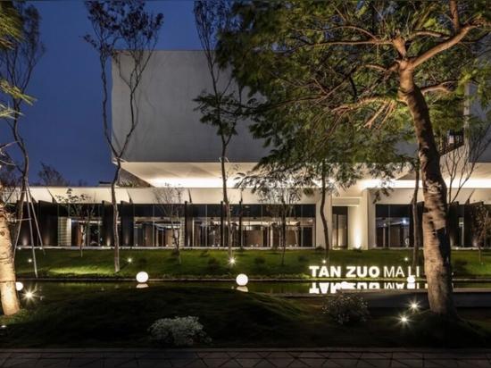 Modular materials make up an eco-friendly restaurant in Taiwan