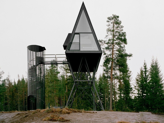 Treetop Cabins suspended on stilts in the Norwegian Boreal Forest