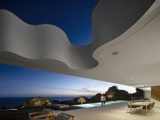 LuxMare Houses / Mário Martins Atelier