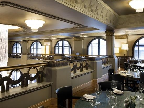 Chandelier Murano Glass Multiforme lighting Hotel Cafe Royal Lobby