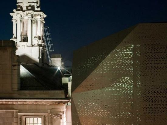 DROO + NAME veil london's historic town hall in parametric aluminum skin