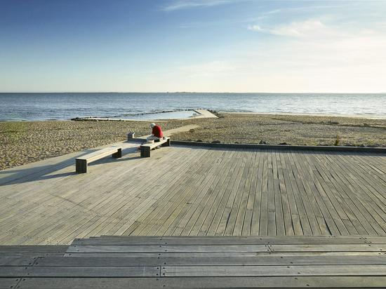 ESBJERG BEACH PROMENADE AND SAILING CLUB