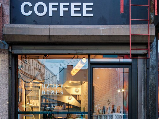 This New York City Coffee Shop Was Originally An Alleyway