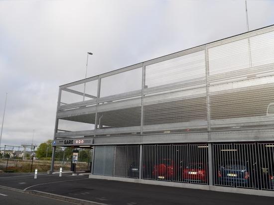Elevated parking in Dreux (France)