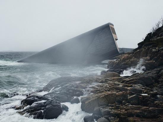 Snøhetta's Under, a Wave-washed Wonder
