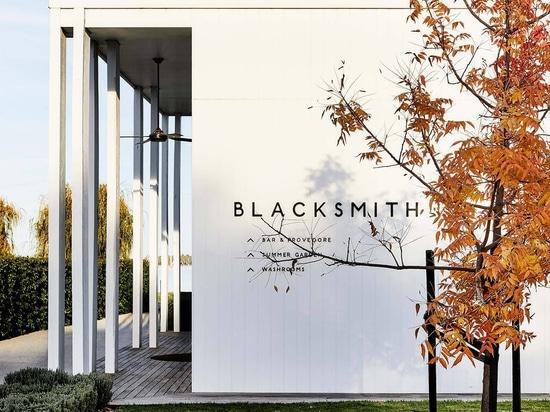 Blacksmith by The Stella Collective: Mid-century Glamour Meets Laidback Australiana at Lake Mulwala
