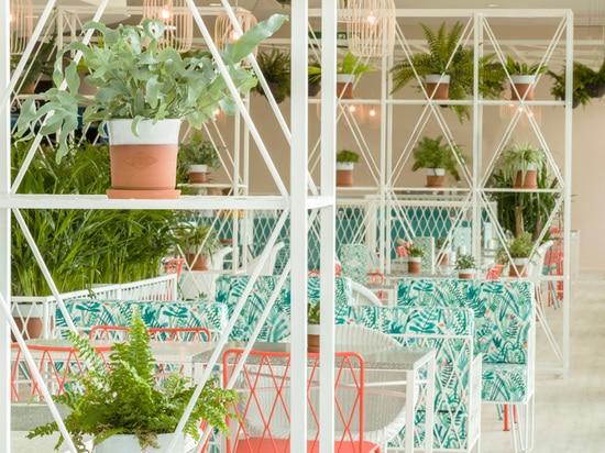 Kiwi & Pom Design A Garden Themed Restaurant
