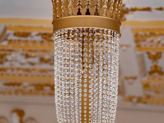 Big classic handmade chandelier Galli theater