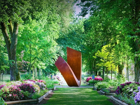 Photo of a Beverly Pepper sculpture created for the gardens at the Muni au Château de Vullierens in Switzerland.