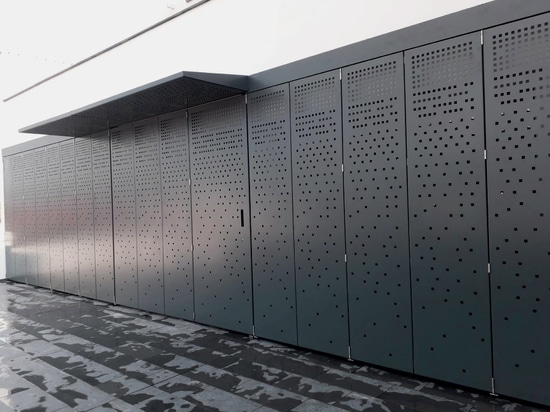 house panels close