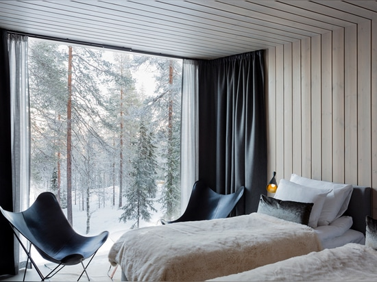 Arctic Treehouse Hotel Invites You to a Cozy Experience