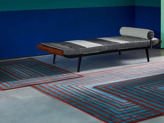 "Sebastian Wrong's modular rugs can be connected into an ""endless field"""